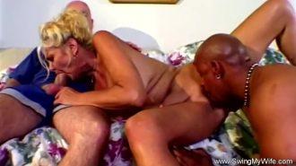 Grup pornoda blowjops yapan lolitalar