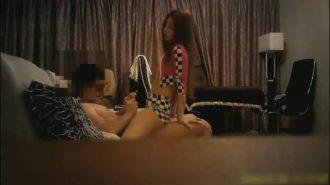Asyalı pornocu üvey abisini doyuruyor