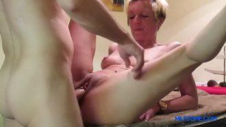 Porno indir videosunda hardcore sevişiyorlar
